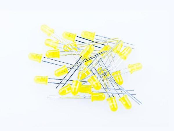 Pack of 30 x 5mm Super Bright Yellow LEDs