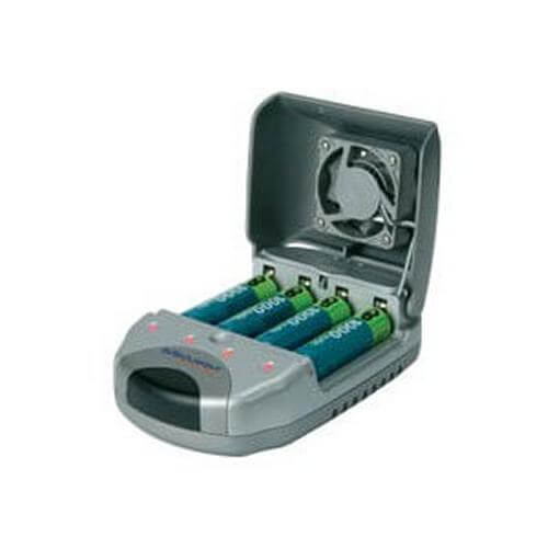 690.197UK - Ultra Fast 4-Bay AA/AAA NiCd/NiMH Battery Charger