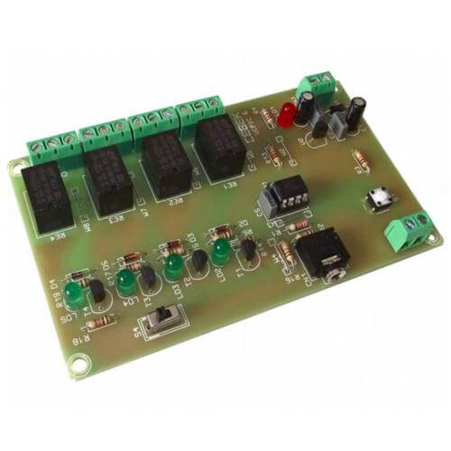 Cebek UCPIC-6 - PICAXE 08M2 Quad Relay Development Board